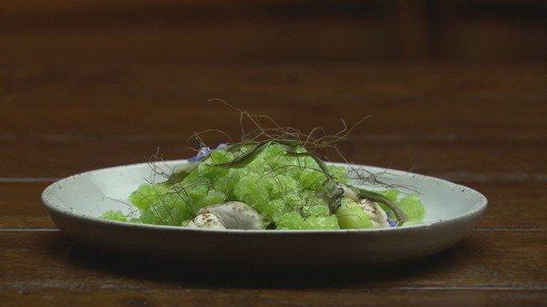 Oester met venkel en komkommer-pernodgranite